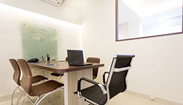Ixora Suites-Discussion Room